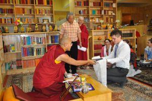 Гьялванг Кармапа прочитал для американских студентов курс лекций о сострадании