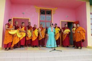Монахи Дрепунг Гоманга в Астраханской области, поселок Лиман