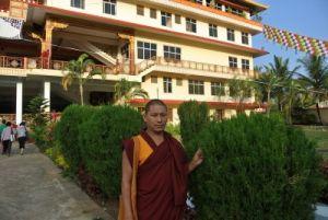 Доктор философии, профессор дост. геше Церинг Тундуп, Индия
