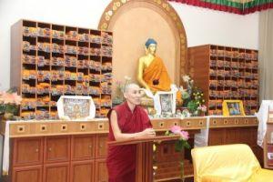 Буддийский монах Санал Мукубенов, Калмыкия, библиотека центрального хурула РК