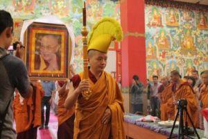 Калмыкия, центральный хурул, дост. Кунделинг Ринпоче 6.07. 2015 г. День рождения Его Св-ва Далай-лама