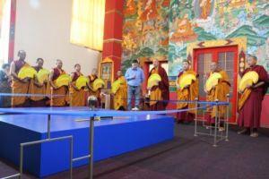 В Центральном хуруле начали возводить мандалу Будды Медицины