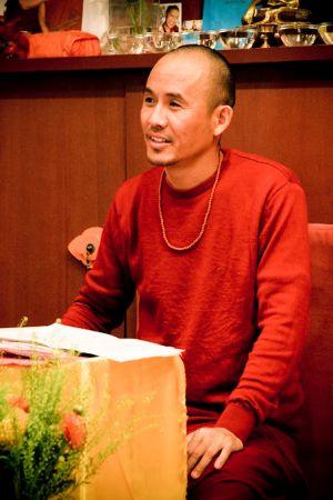 21 - 22 апреля 2012 - Ретрит по Ньюнгнэ под руководством геше Нгаванга Тукдже