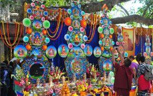 Обучение изготовлению торма и игре на ритуальных инструментах буддийскими монахами традиции Джонанг