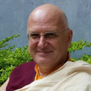 С 9 по 11 мая, Москву посетит лама Ринчен, ученик XVII Гьялванга Кармапы и Тенга Ринпоче