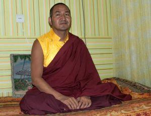 В субботу 8 февраля 2013 года в Киеве Кхенпо Цеванг Гьяцо Неги проведет практику Гуру Йоги Семистрочной Молитвы и Цог
